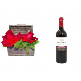 Arranjo de Flores Amor por você+ Vinho Concha Y Toro