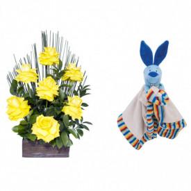 Arranjo de Flores Affetto di fiori amarelo + Soninho Coelho 37cm