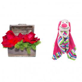 Arranjo de Flores Amor por você + Soninho Cachorro 37cm
