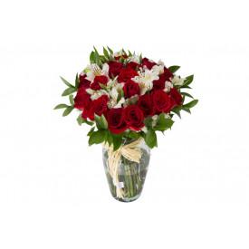 Buquê de flores ESPECIAL de rosas vermelhas no vidro