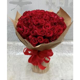Especial - Arranjo com 100 Rosas Vermelhas