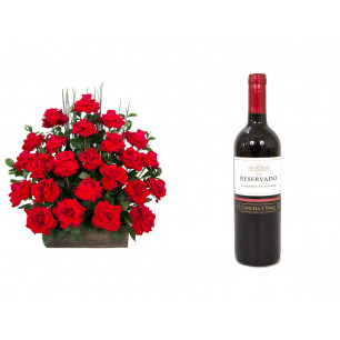 Arranjo de Flores Eu te amo + Vinho Concha Y Toro
