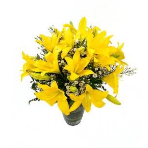 Buquê de Flores Alegria de Lírio amarelo