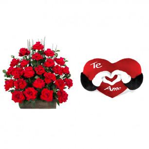Arranjo de Flores Eu te amo + Coração Te Amo 40cm