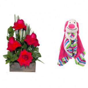 Arranjo de Flores Sabor da paixão + Soninho Cachorro 37cm