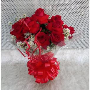 Buquê de Flores Encanto de colombianas vermelhas no Tradicional